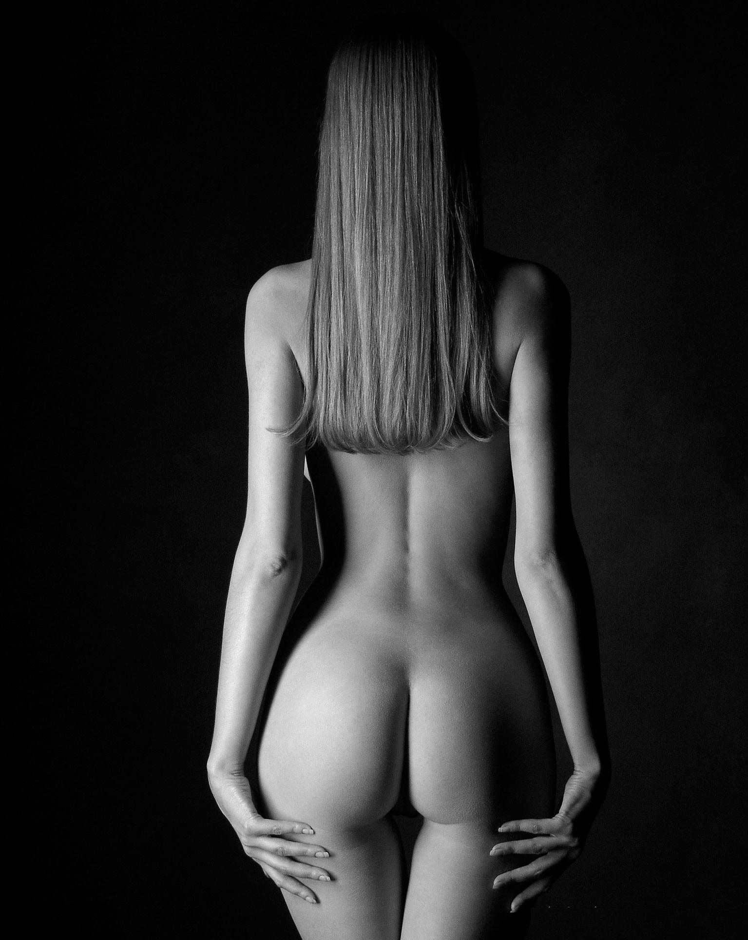 Черно эротическая фотография